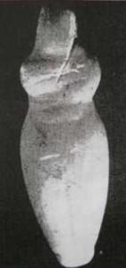 Фиг. 5 – мраморен антропоморфен идол, с.м. Ясатепе